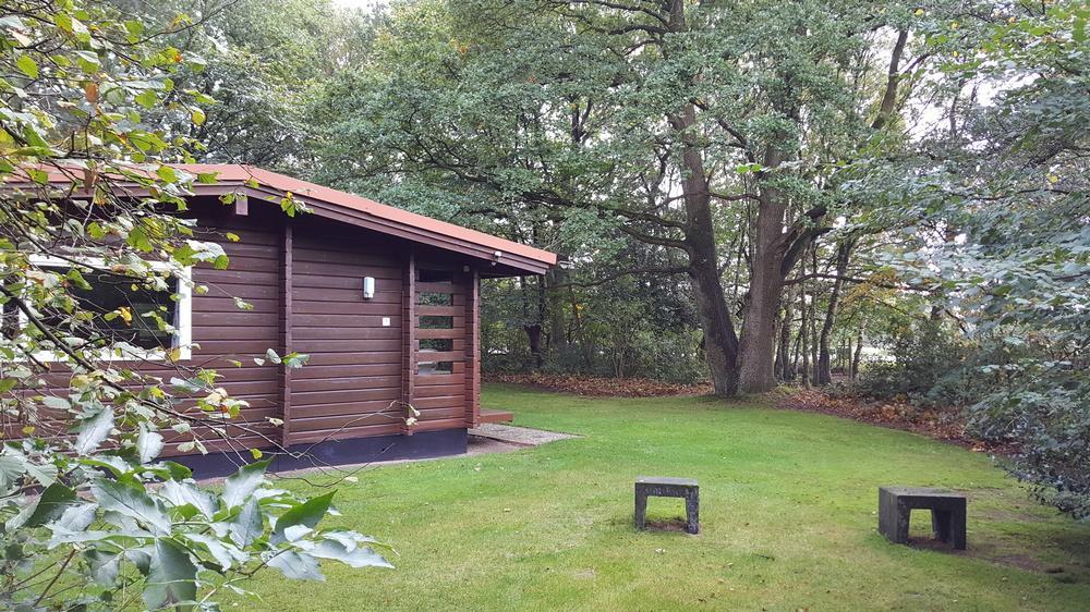 4--of-6-pers.-bungalow-Bronzen-Emmer-b1
