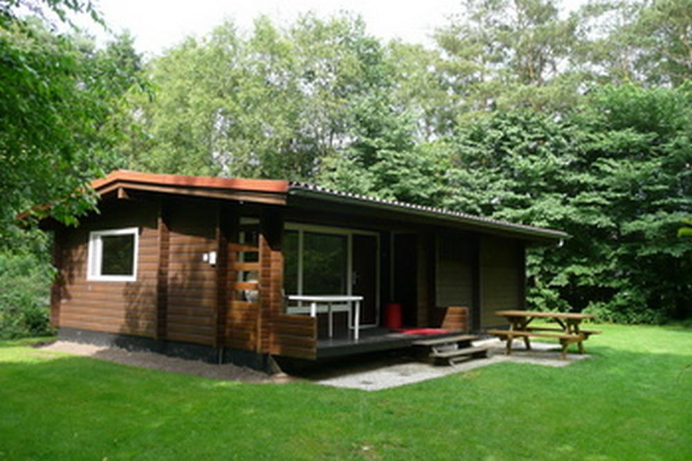 Finse-bungalow-2--Bronzen-Emmer