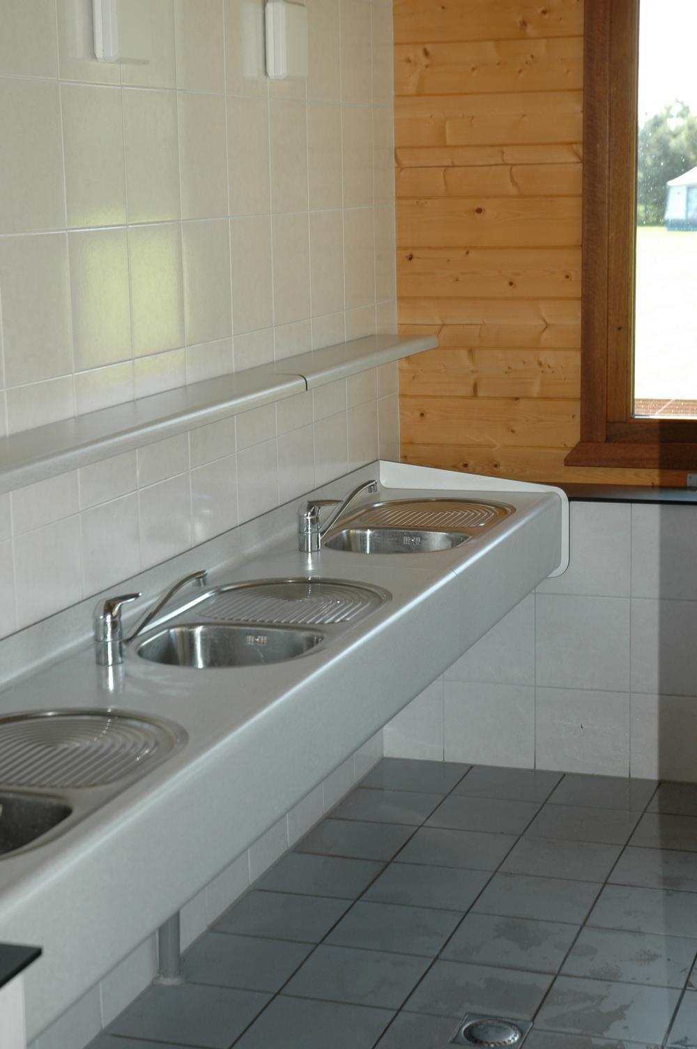Sanitair-op-de-Bronzen-Emmer-2