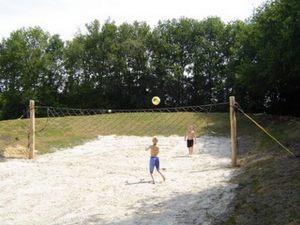 Beach-volleybalveld-op-de-Bronzen-Emmer_300x100000